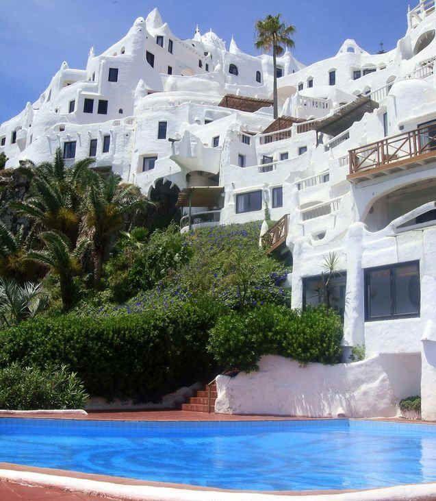Uruguay...saw This Hotel On Passort To Europe (Latin