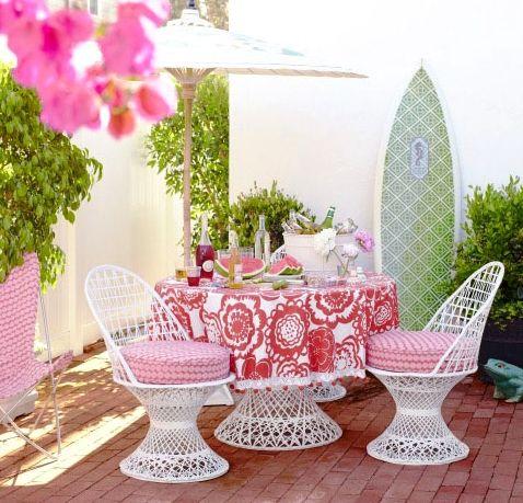10 Coastal Beach Theme Outdoor Living Rooms   Beach Magic ...