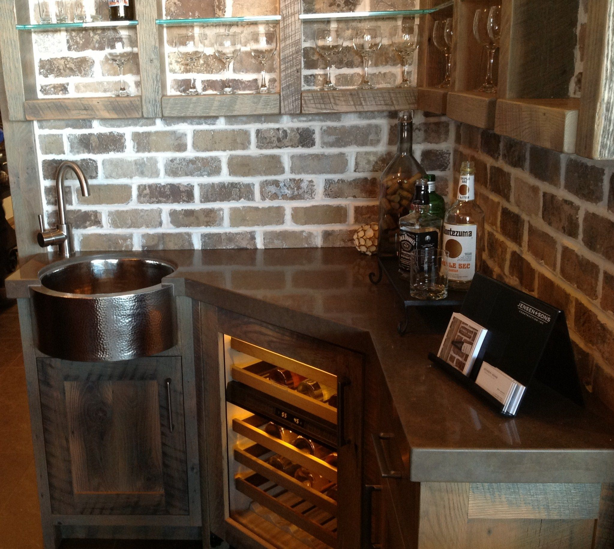 Inspiring faux brick backsplash with corner kitchen for Kitchen bricks design
