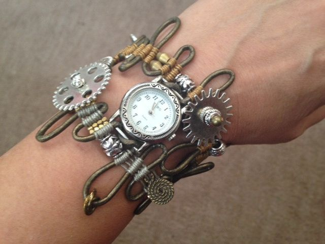 macrame jewelery | by Hitomi Shouko