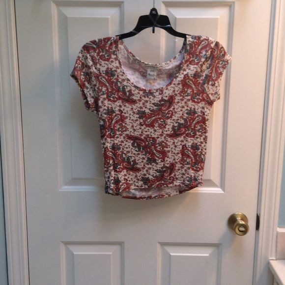 American Rag crop top Washed but never worn ⚡️make an offer⚡️ American Rag Tops Crop Tops