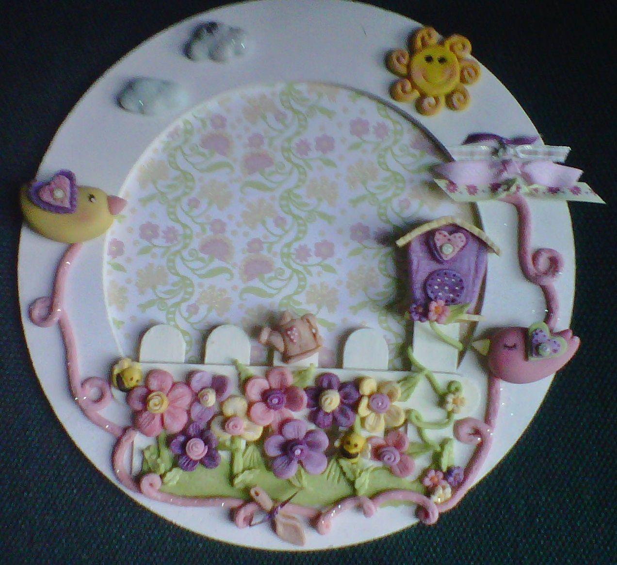 Corona Con Florecitas De Pasta Flexible Pasta Para Modelar Porcelana Fría Tablillas Decoradas