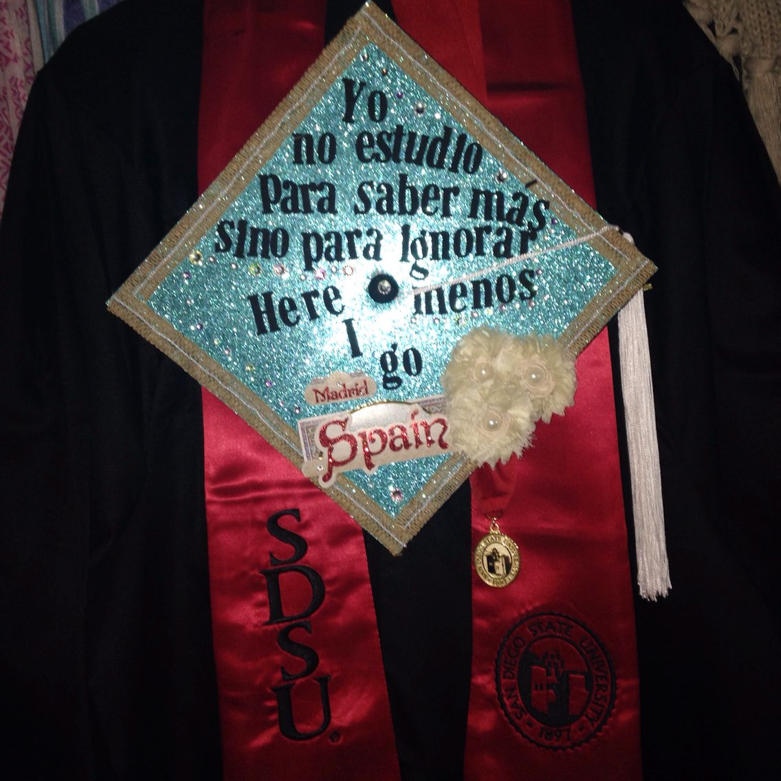 Decorating graduation cap ideas for teachers - Graduation Cap I Decided To Decorate My Cap Inspired By My Major Which Is Spanish