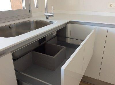 Dise o de cocina en granada muebles de cocina sin tirador - Cocinas sin muebles altos ...