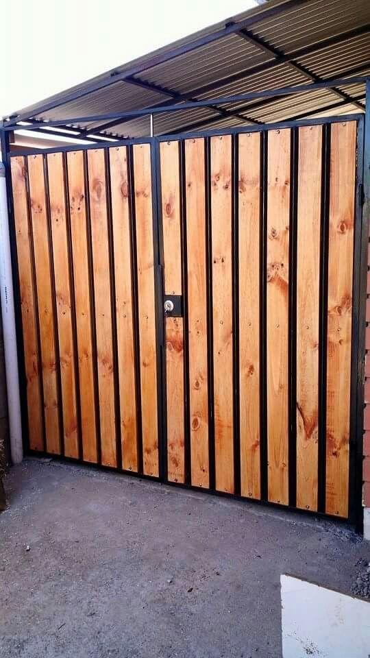 Cierres perimetrales portones y cercos estructuras de for Puertas y portones de madera