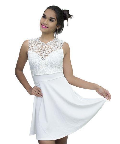 a75371116 #vestido #look #moda Vestido de seda con encaje blanco hueso para lucir  Bella hoy viernes