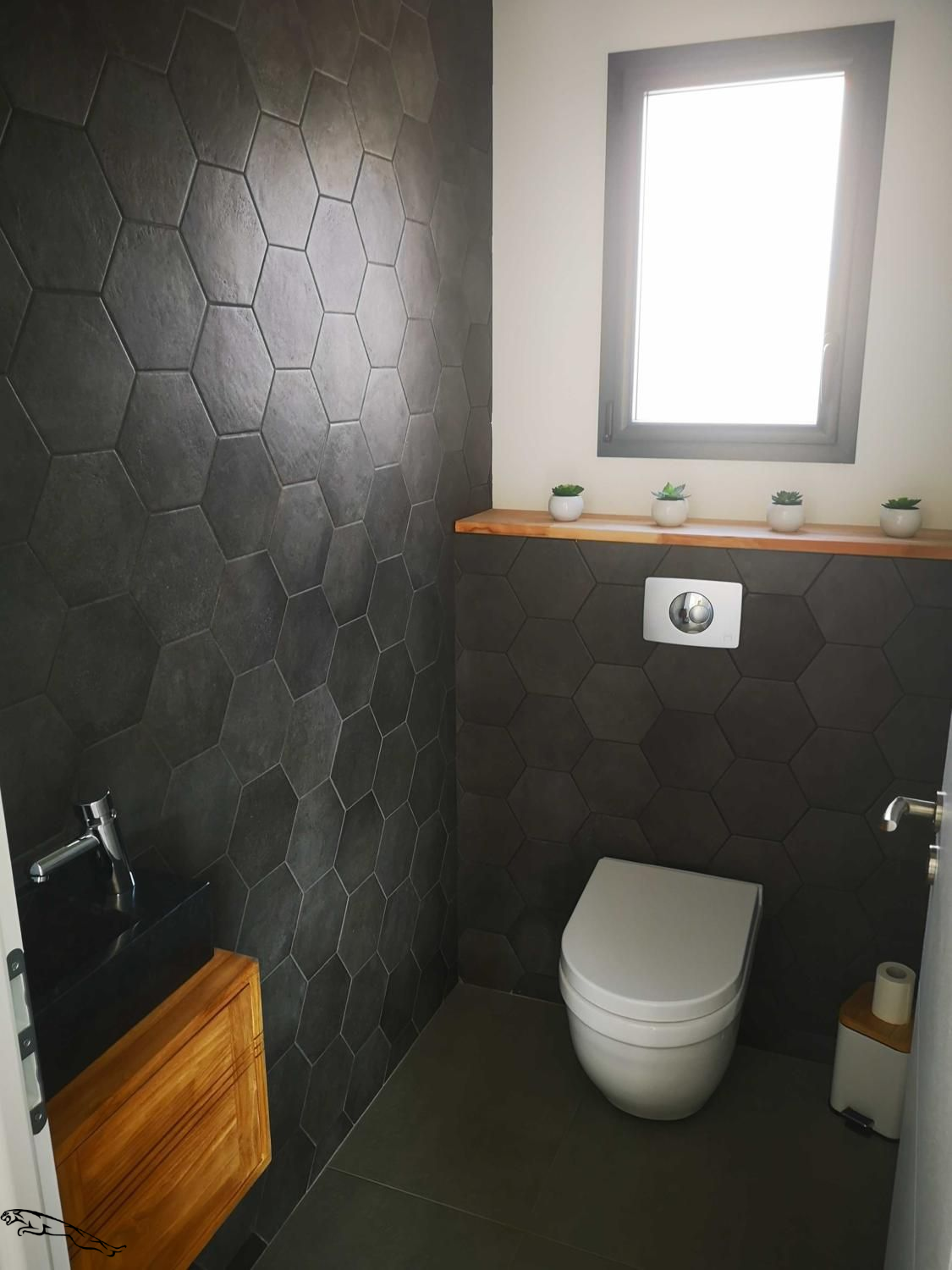 Wc Moderne Carrelage Noir Badezimmerdiyideen In 2020 With Images Wc Design Toilet Design Modern Toilet Design