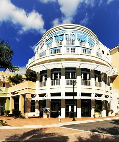 Harbourside Place Is A New Constructed Shopping And Entertainment Center Located Waterfront In Jupiter Fl South Florida Fun Palm Beach County Jupiter Florida