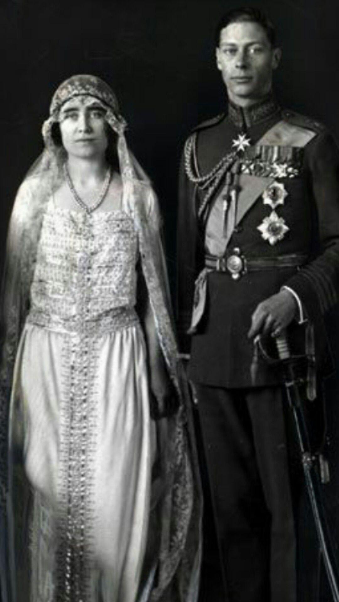 Queen Mum - Elizabeth II : 65 ans de règne en images - Elle