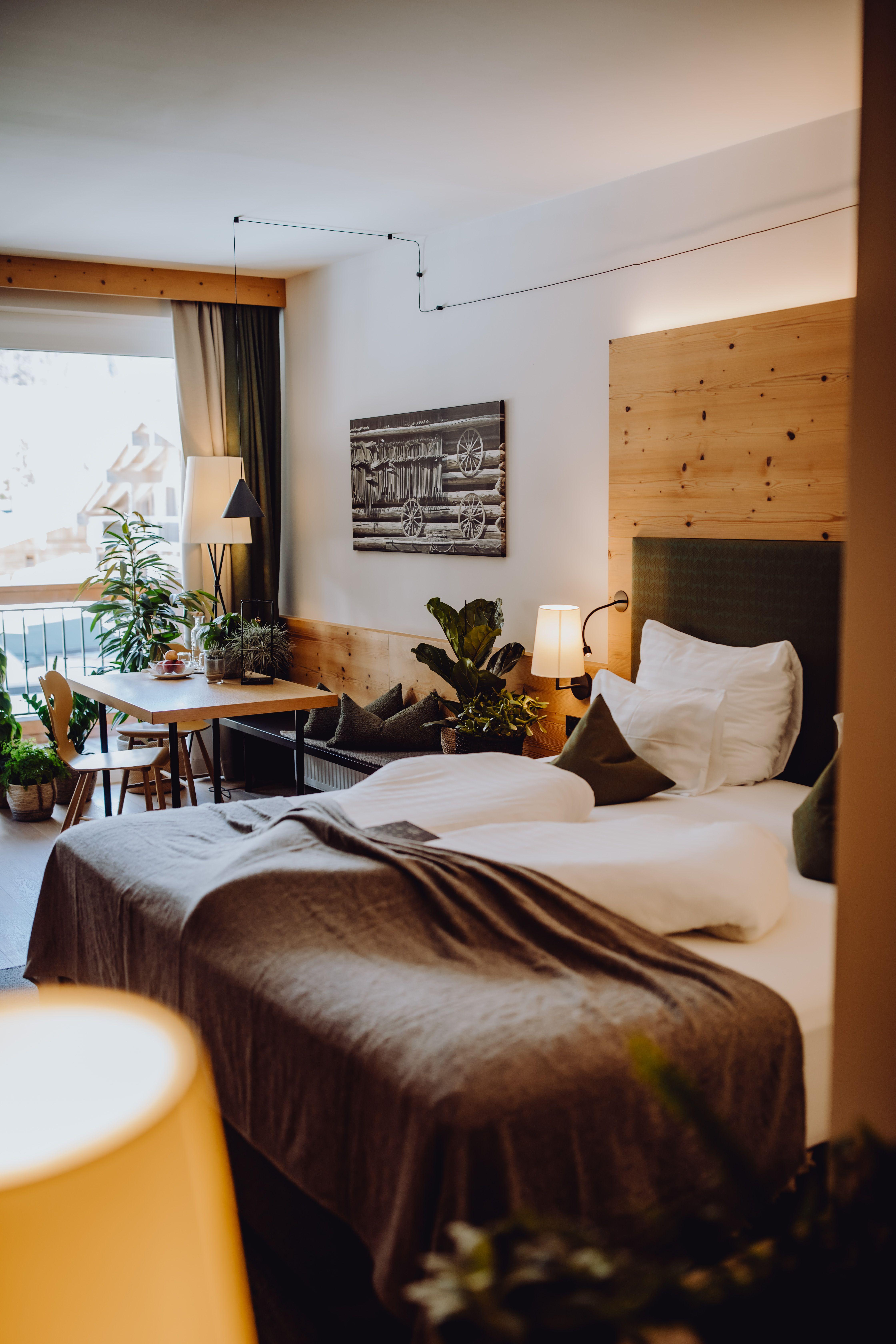 Wir holen uns die Natur ins Zimmer im Naturhotel Forsthofgut in 2020   Wohnung einrichten, Haus ...