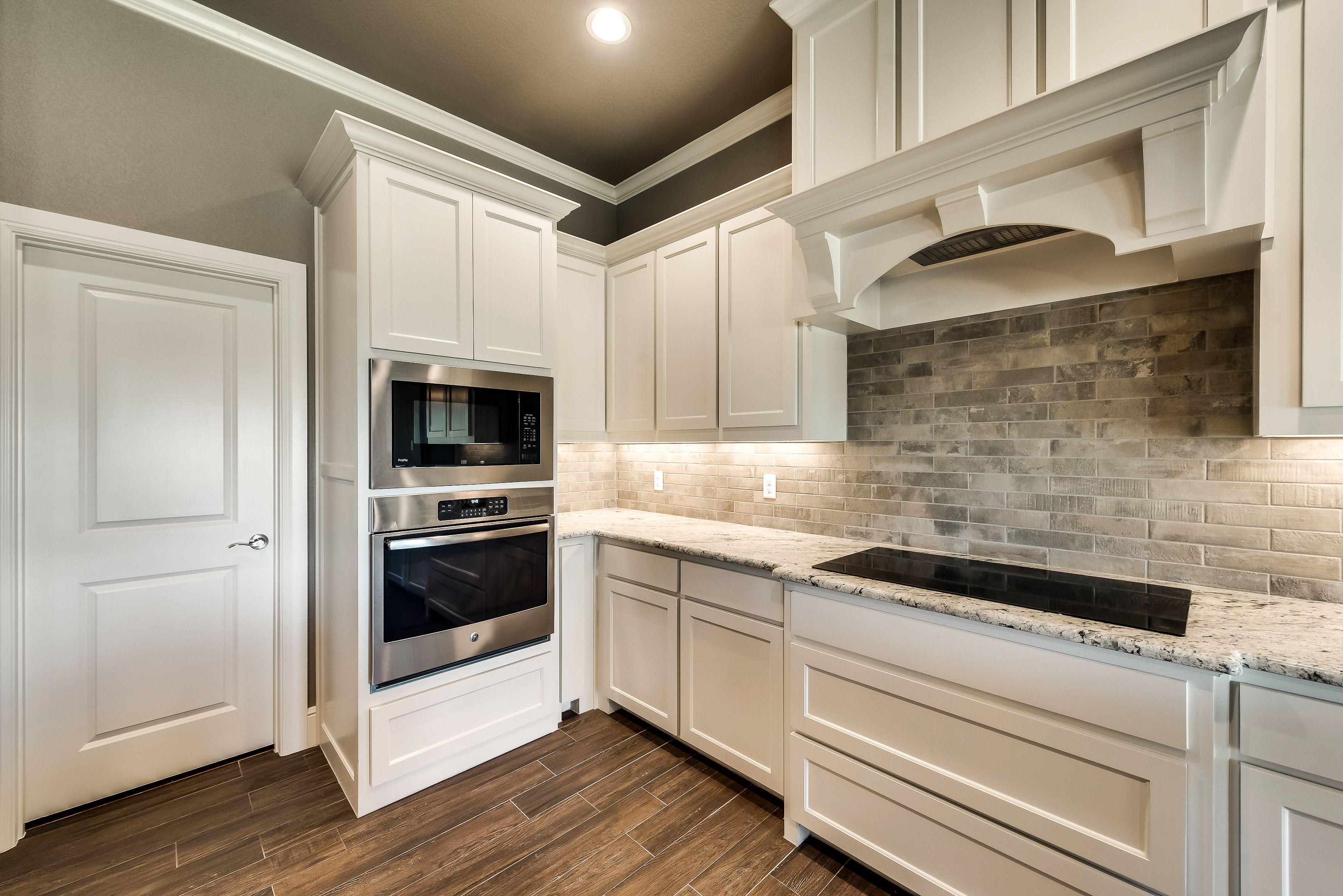 Grey Brick Kitchen Back Splash By Doug Parr Custom Homes Boyd Tx Brick Kitchen Custom Kitchens Brick Backsplash
