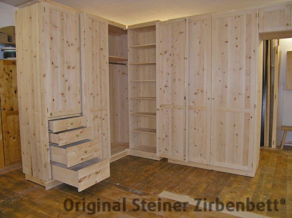 Eckschrank Aus Massivem Zirbenholz, Hochwertige Innenausstattung