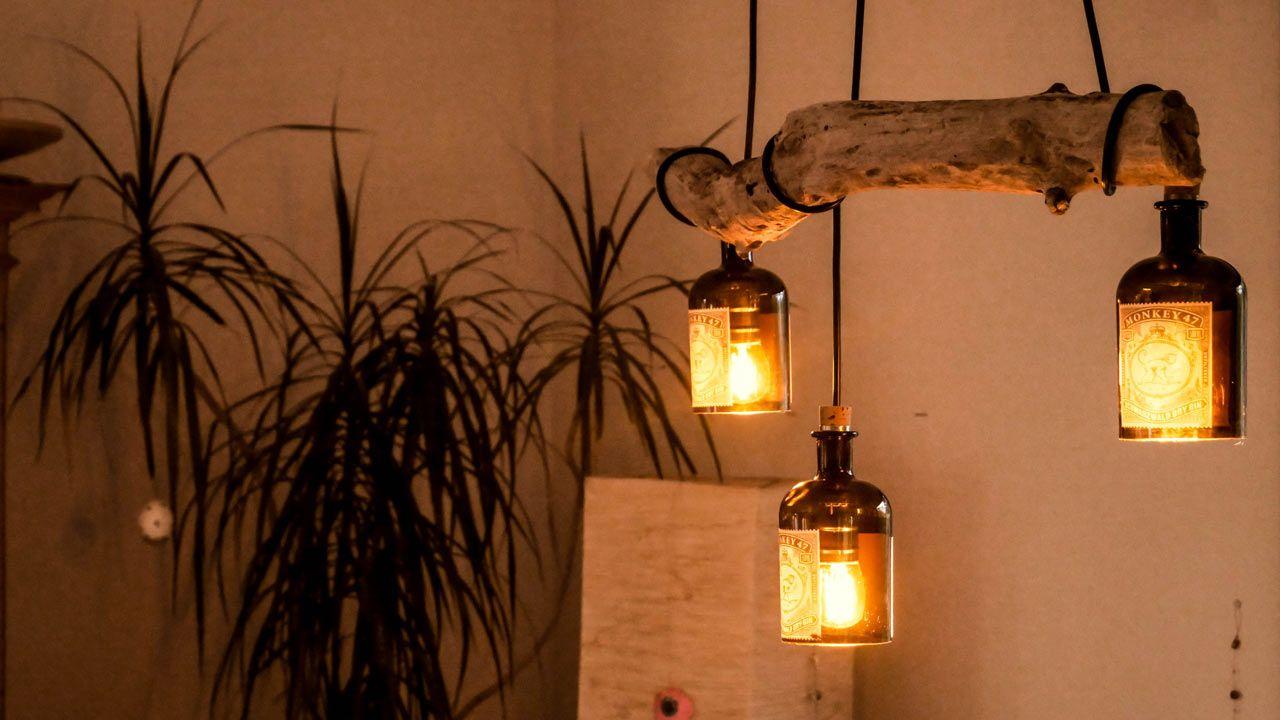 Lampe aus Treibholz und alten Gin Flaschen (Monkey 47) #sofaauspalletten