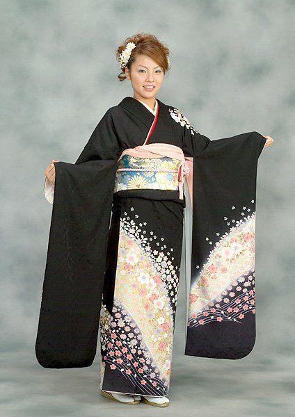 un costume traditionnel japonais yukata coiffures japonnaises pinterest traditionnel. Black Bedroom Furniture Sets. Home Design Ideas