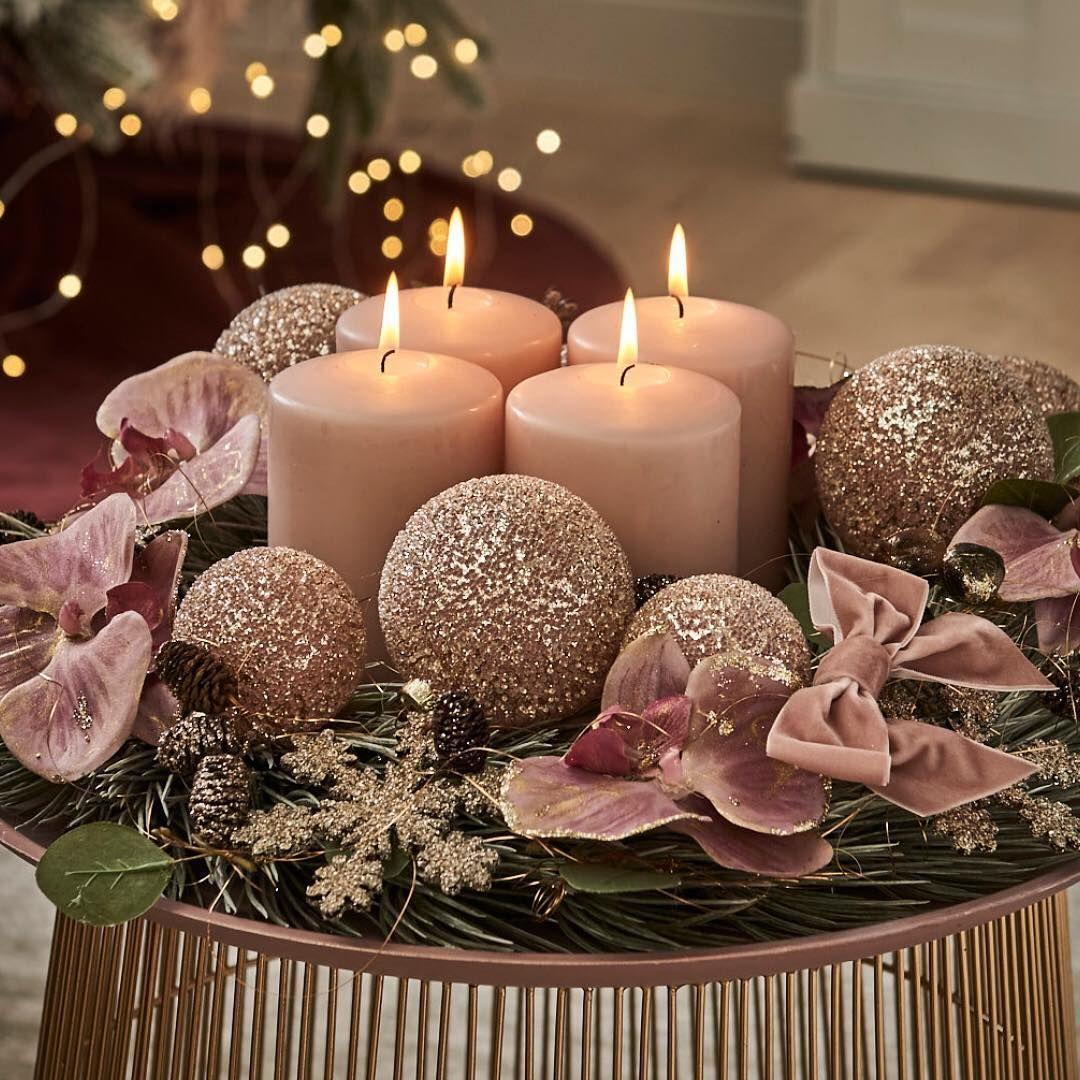 Pin Von Christina Zapf Auf Weihnachtskranz Selber Basteln Mit Bildern Weihnachtskugeln Rosa Weihnachtsdekoration Schone Weihnachtsdekoration