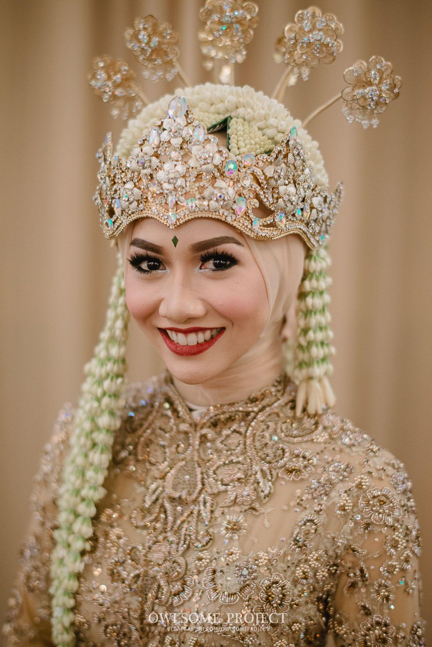Pakaian Pernikahan Adat Sunda Hijab