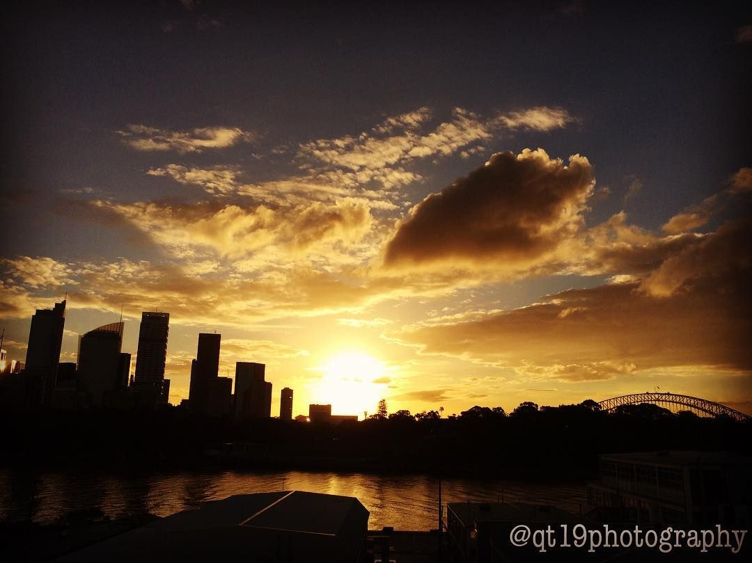 #sunset #sun #clouds #sky #cbd #buildings #harbourbridge #sydneyharbour #sydneyharbourbridge  #water #view #sydney #visitsydney #visitnsw #nsw #newsouthwales #australia by qt19photography http://ift.tt/1NRMbNv