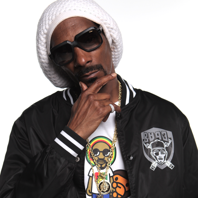 Fancy Snoop Dogg Fancy Box Here S A Photo Of Snoopo Thinking About What He Is Going To Put In Your Box Fancy Boxes Fancy Hoodie Outfit