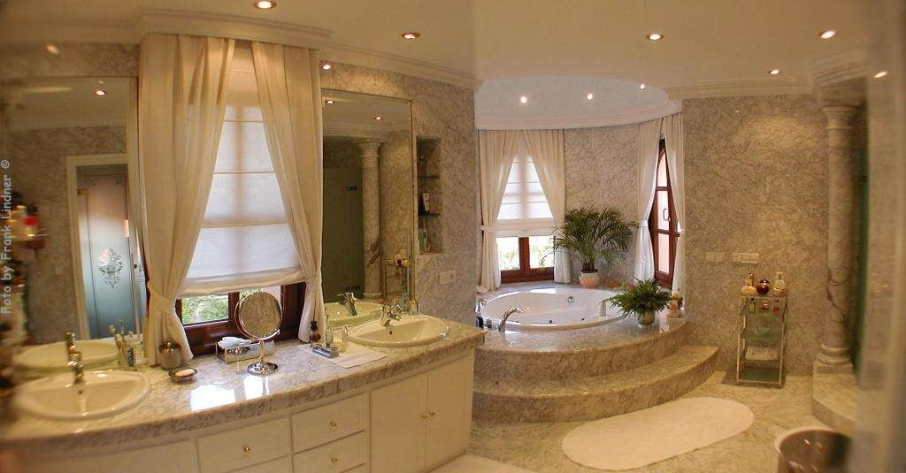 explore luxury master bathrooms and more - Yacusi