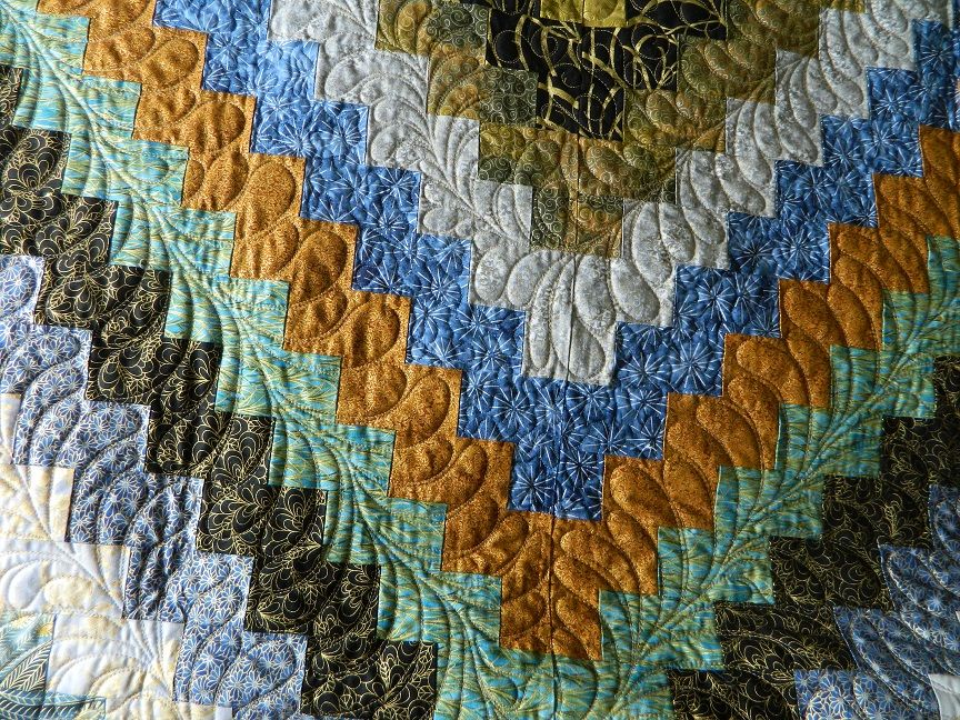 Trip Around The World With Lots Of Feather Feather Quilt Longarm Quilting Designs Quilting Designs