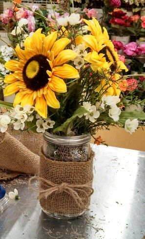 25 creative floral designs with sunflowers, sunny summer table