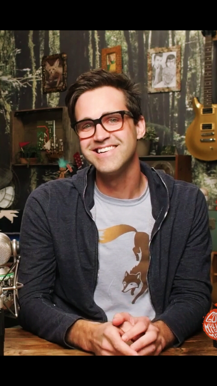 Guys It S Not Good That I M Attracted To A Thirty Nine Year Old Same Emily Saaaame Good Mythical Morning Pretty Men Rhett And Link