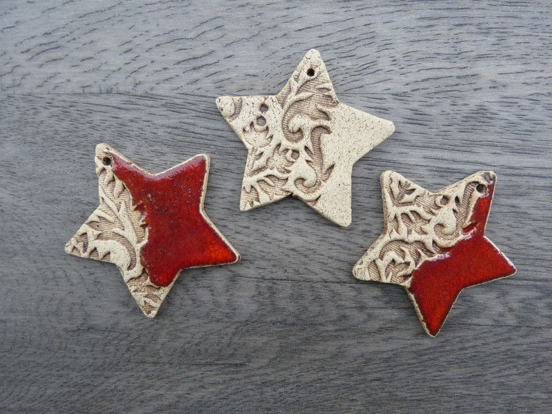 Baumschmuck: Sonstige - Weihnachtsanhänger Sterne aus Keramik - ein Designerstück von Eleart bei DaWanda #slabpottery