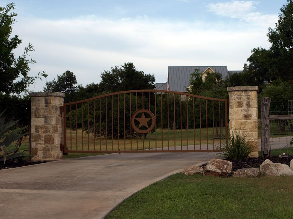 Gates entrances texas ranch style gates hill country for Front gate entrance ideas