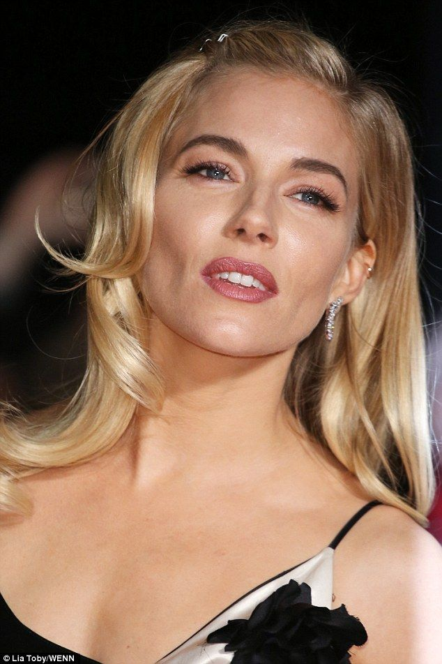 Sienna Miller Gets Up Close With Live By Night Co Star Ben Affleck