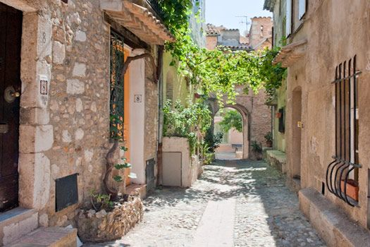 Streets+in+French+villages | Haut de Cagnes, medieval village near Nice, where the bed and ...