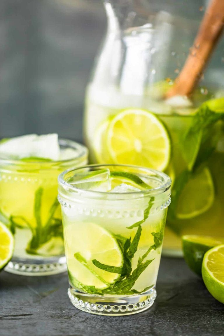 This Mojito Pitcher Recipe Is The Best Mojito Recipe For A Crowd Of People If You Re Throwing A Summer Party Mojito Pitcher Mojito Recipe Best Mojito Recipe