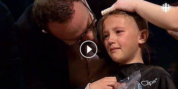 #Sofia se fait raser la tête pour soutenir son frère atteint d'un cancer (VIDEO) - dh.be: dh.be Sofia se fait raser la tête pour soutenir…
