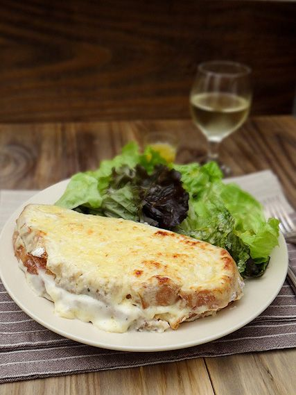 Croque Monsieur: a delicious sandwich