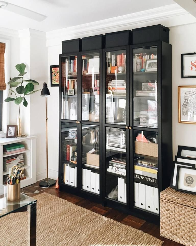 ikea billy bookcase with glass doors h o m e en 2018 pinterest maison salon salon et bureau. Black Bedroom Furniture Sets. Home Design Ideas