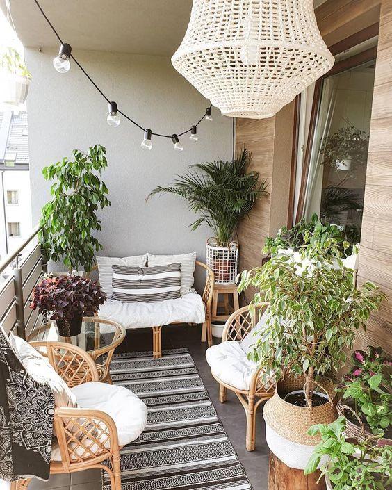 30+ idées de design de balcon d'appartement pour les petits espaces #apartmentpatiodecorating #smallbalconydecor