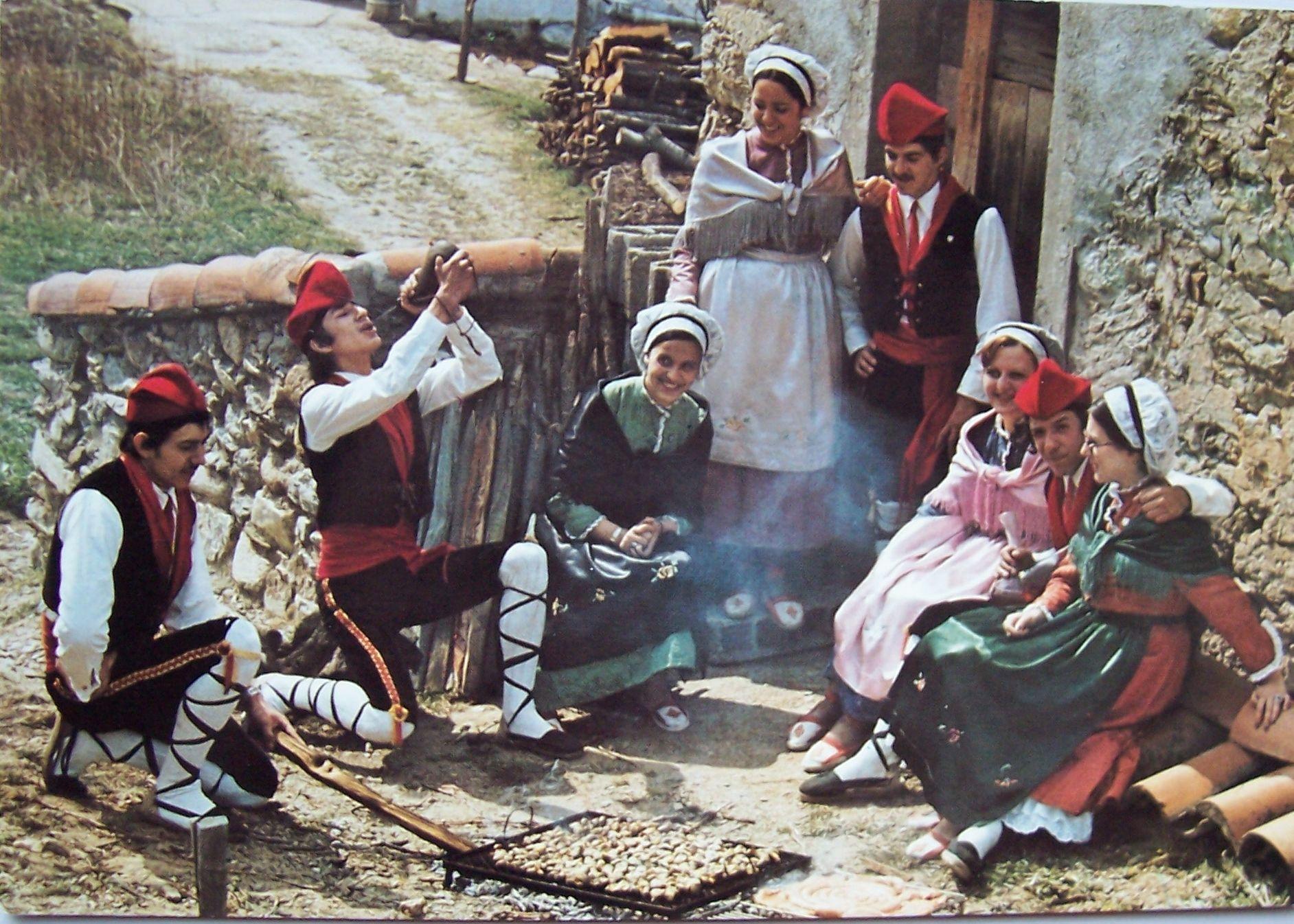 Folklore Roussillon (84) La Cargolade - Neuf et d'occasion
