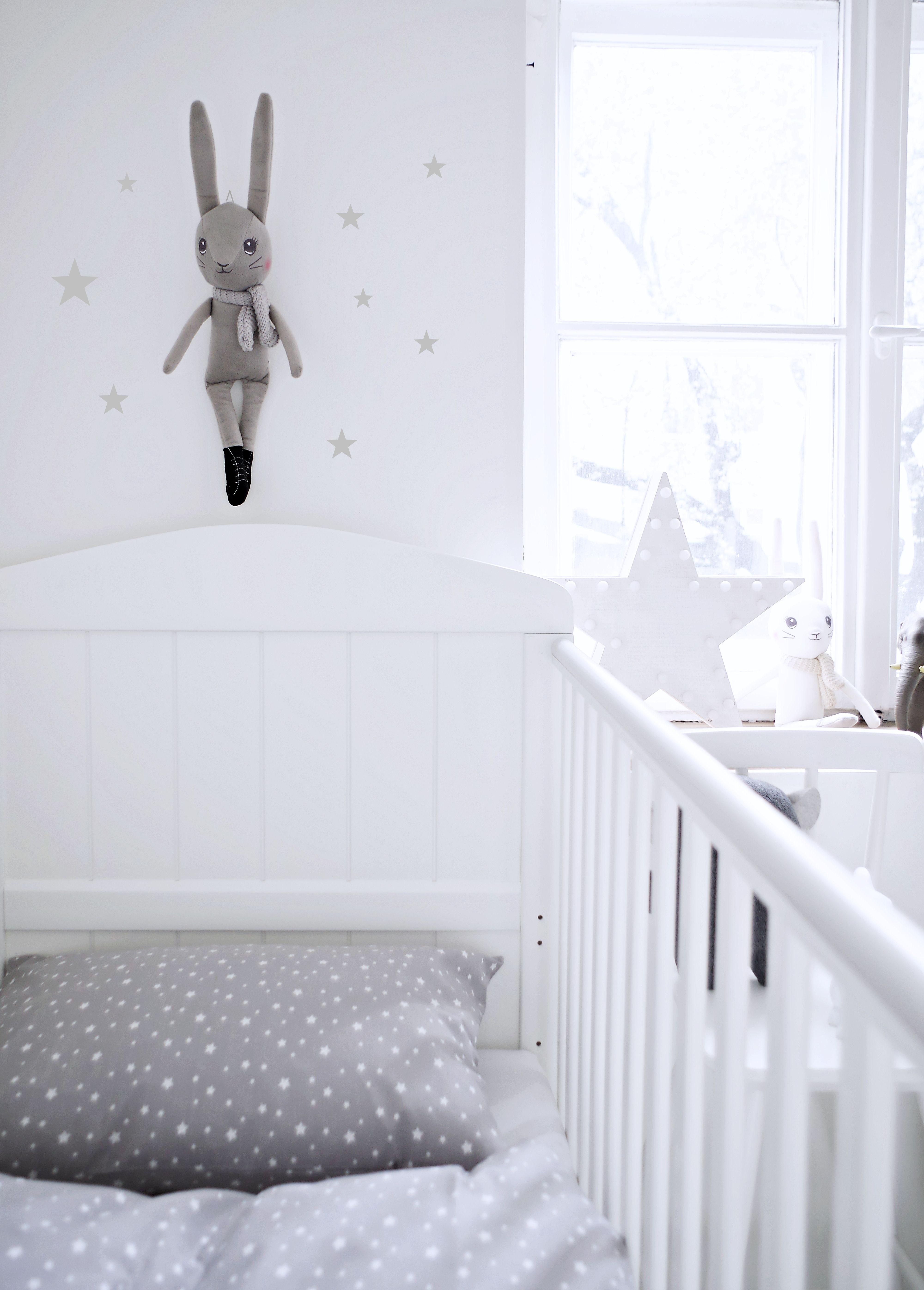 Łóżeczko dziecięce Hampton Cot Bed 140x70 białe Styl