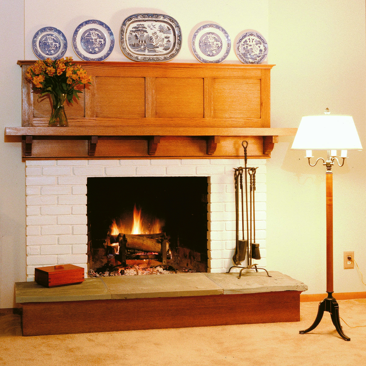 Free Plan for Arts u Crafts Mantel This straightforward mantel