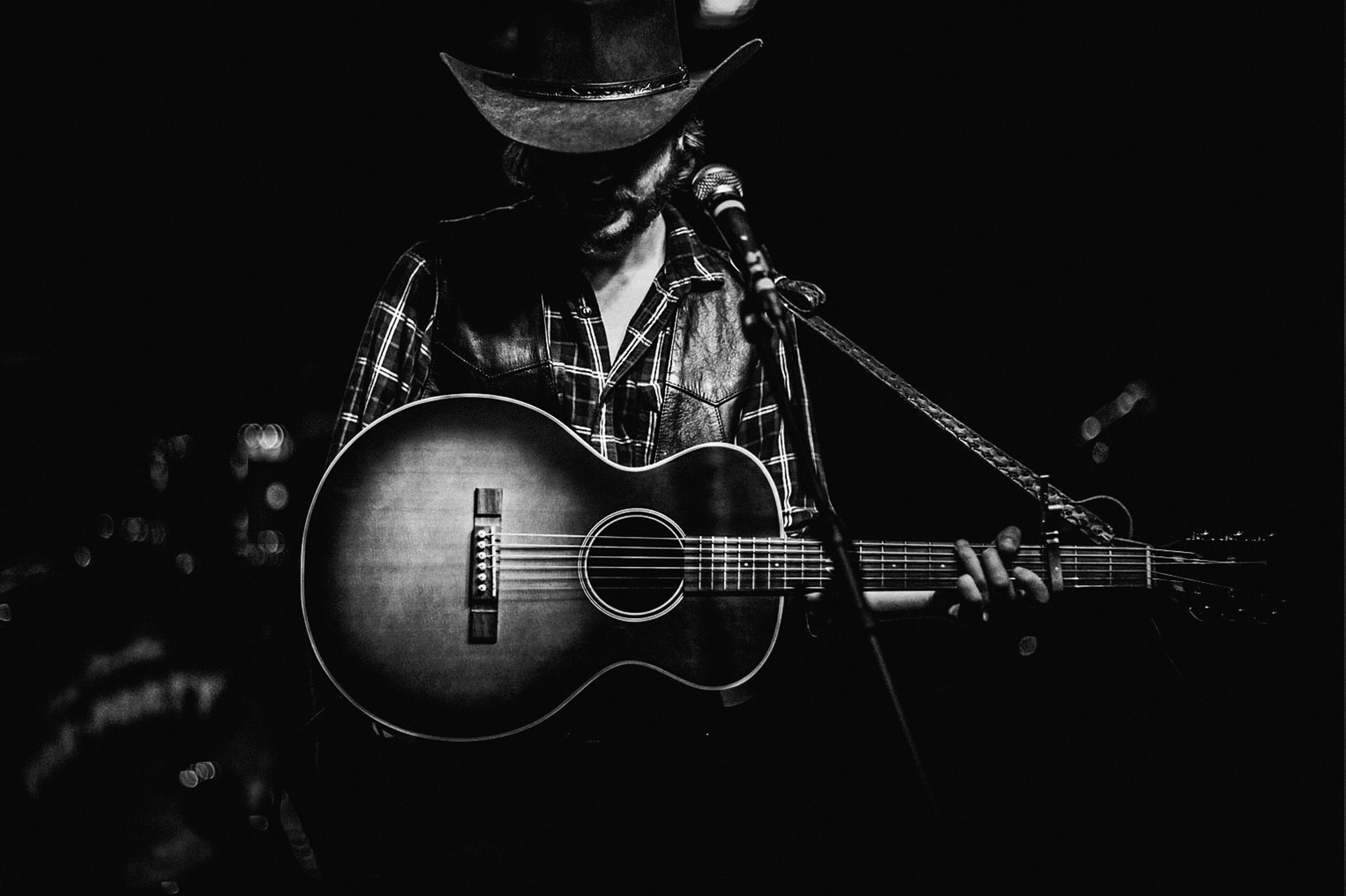 hear colter wall s cover of wilf carter s calgary round on colter wall id=98682