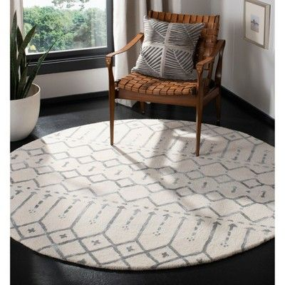 6 Tribal Design Tufted Round Area Rug Ivory Gray Safavieh