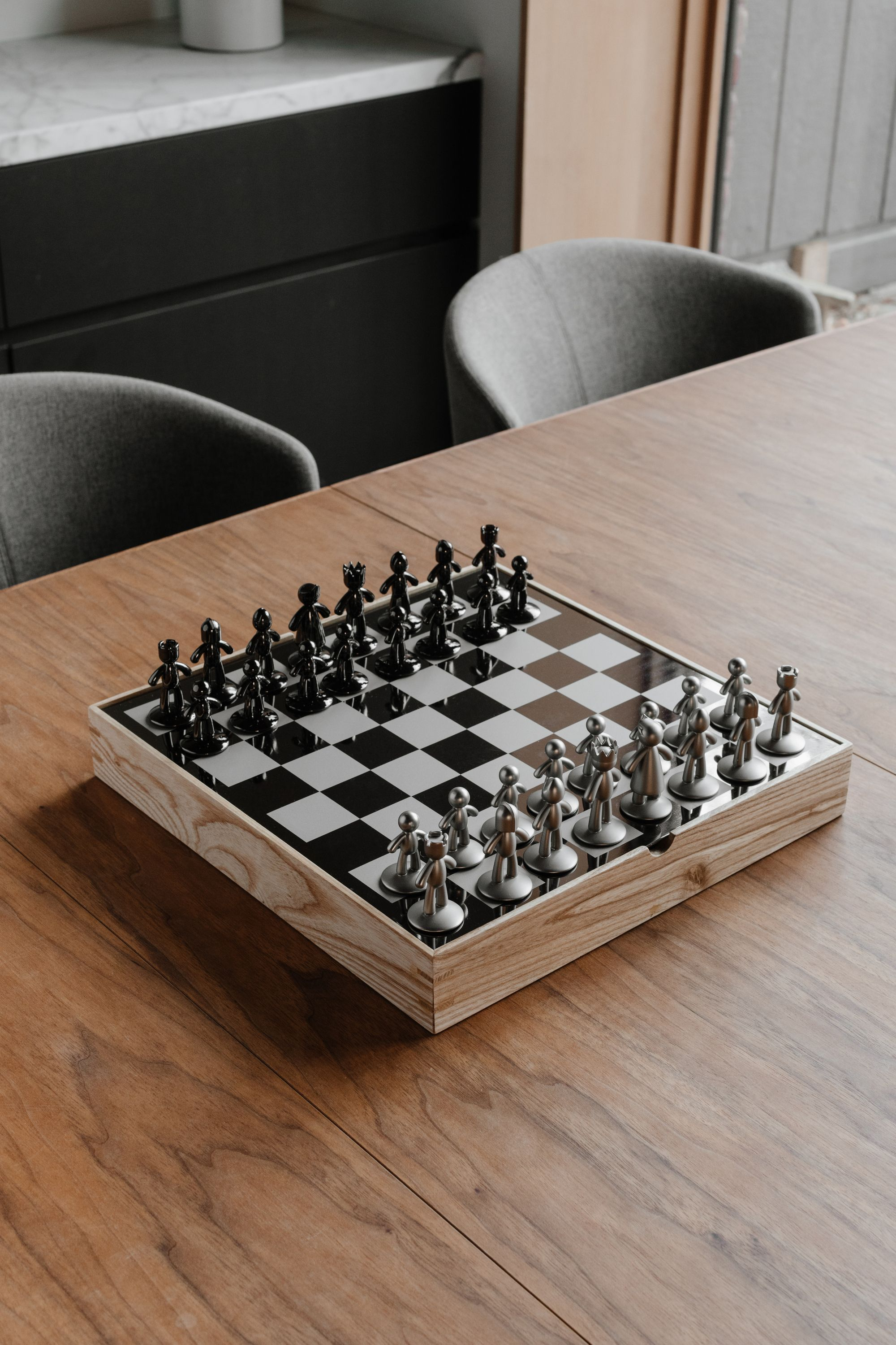 Buddy chess set is a great gift for dad this fathers day