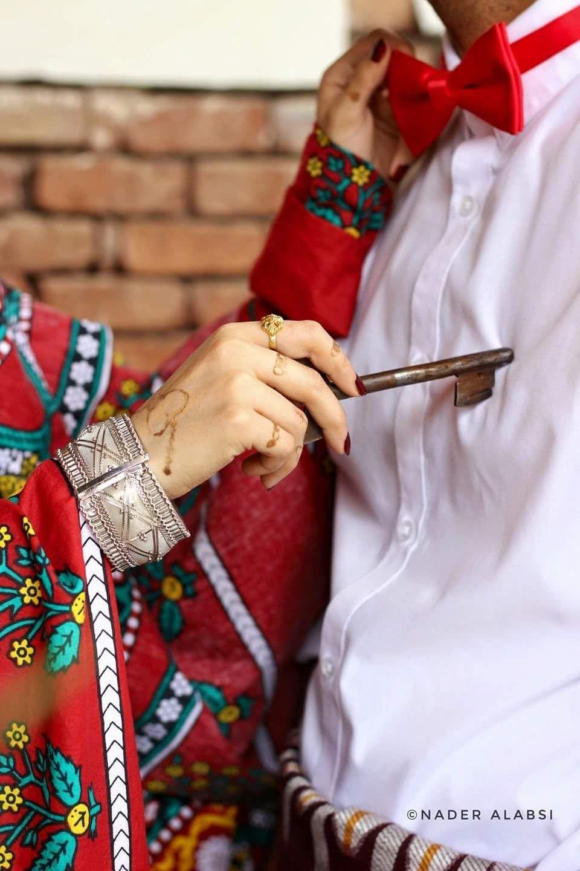 Yemen Love يمن الجمال مفتاح قلبك معي Yemen Clothes Bridal Photography Poses Arabic Wedding Dresses
