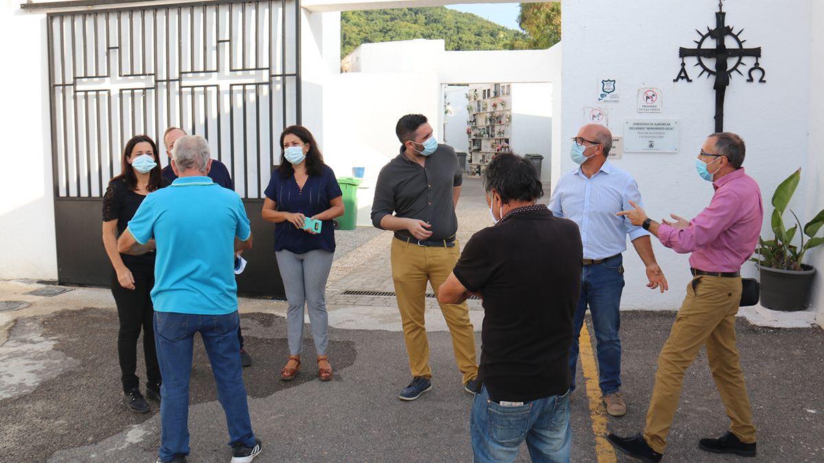 Almuñécar Planifica La Celebración De Todos Los Santos Empresas De Mantenimiento Medio Ambiente Celebracion