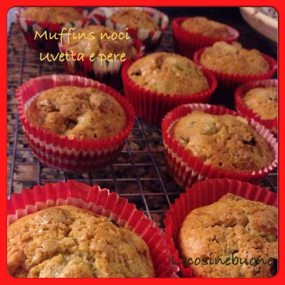 Muffin alle pere, noci e uvetta