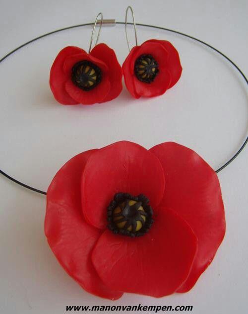 Manon Van Kemper; a simple set of poppies.