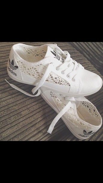 5535ec7c0fc El perfecto toque de delicadeza ♡ Lace Adidas Shoes