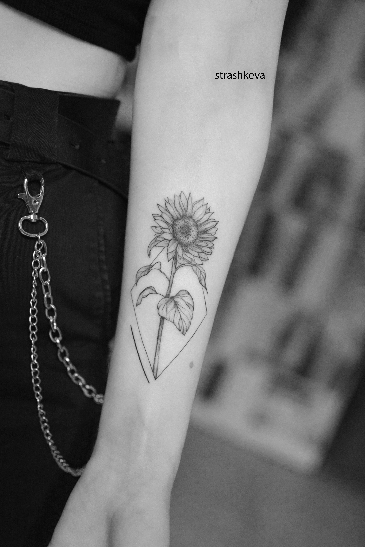 Pin Na Tatuaze Kwiatow