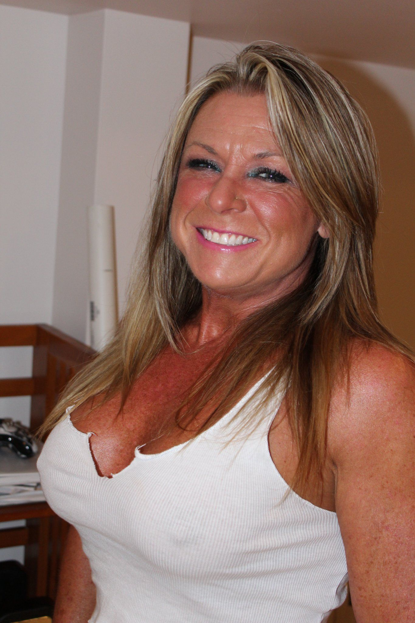 clintonville milf women By clicking sign up, i agree to receive transactional and promotional emails from matchcom i understand that i am free to withdraw consent at any time.
