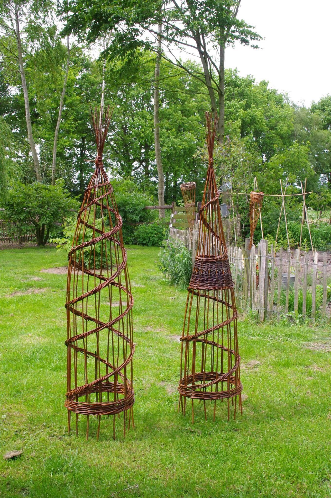 Prachtige wilgetenen spiralen voor klimmers van a van der for Decoratie vlinders voor in de tuin