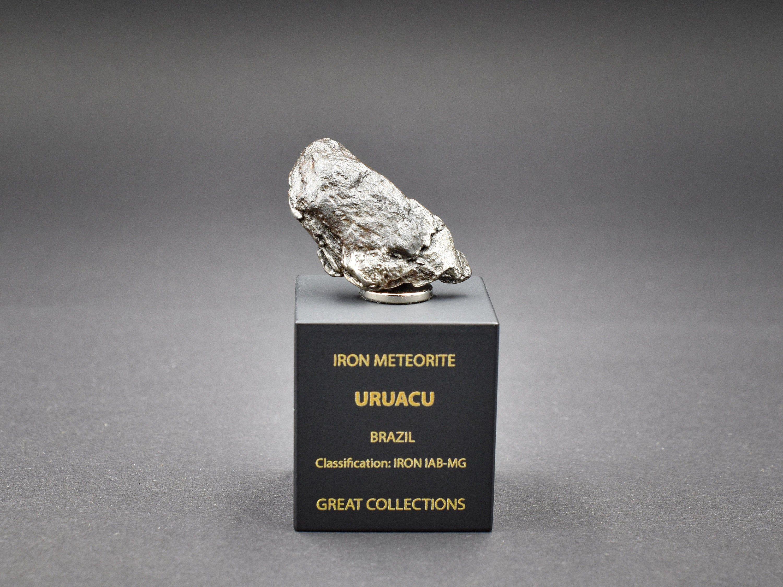 Great for Collectors NonCom Saharan Desert Space Amazing gift design statuette Ordinary Chondrites NWA Stony Meteorite 2 g